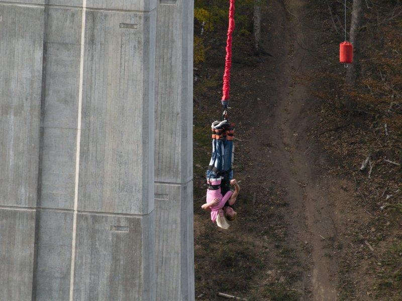 bungee-jumping-svatebni-dar