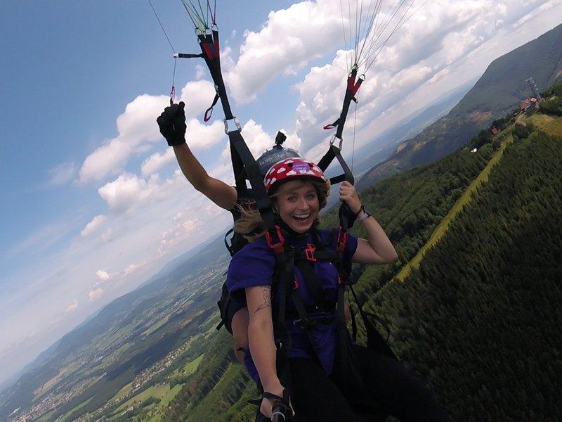 Levně Tandemový paragliding - akrobatický let
