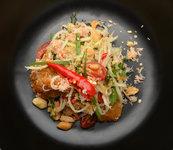 Papájový salát s krevetami
