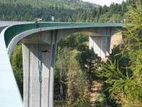 Most přes řeku Hačku