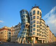 Tančící dům neboli Ginger & Fred v Praze.