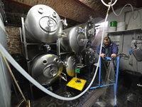 Na správný proces výroby dohlídne zkušený sládek.