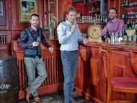 Domácí degustace rumů - 8 panáků, 4 druhy kvalitního rumu a profi barman online