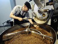 Káva se nesmí pražit moc ani málo. Je to zkrátka věda.