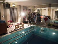 Focení probíhá ve vyhřívaném bazénu