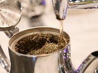 Nabídka hotelové čajovny je každý den jiná