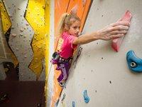Děti mají na lezení talent.