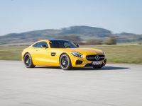 Maximálku má Mercedes na 315km/h