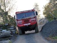 Jezdíme z několika truck-trialovými speciály různých barev :)