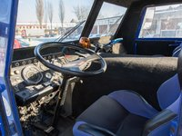 Tatra 813 8X8 neni v kabině luxusní, ale zato vyjede všechno.