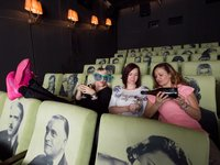 Užijte si kino s vašimi přáteli:)