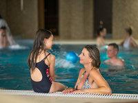 Užijte si neomezený bazén se svými dětmi na zámku Lužec