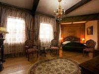 Pokoje Deluxe na zámku Lužec nabízí dokonalý odpočinek