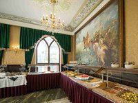 Bufetová nabídka na zámku Lužec
