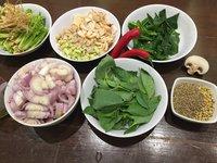 Čerstvé bylinky jsou základ asijské kuchyně