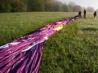 Natažený balón v ranní rose :).