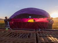 Nafukování balónu je sám o sobě zážitek, na kterém se můžete podílet.