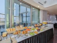 Bohatá snídaně s exkluzivní vyhlídkou na Prahu jen pro Vás