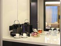 Nespresso kávovar a čajový set přímo na pokoji