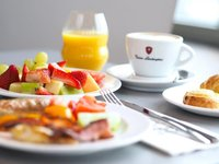 Vychutnejte si bohatou snídani.