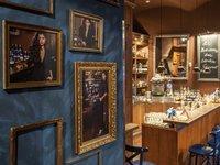 Bar, kde degustace rumů probíhá (Praha)