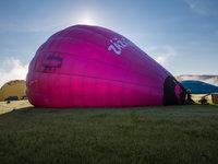 A balón se začíná nafukovat.