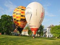 Pobyt na zámku a let horkovzdušným balónem