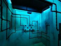 Důmyslné elektronické zařízení, nebo jen malba na stěně? - Prison Island
