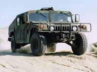 Vojenská verze Hummeru H1 - Humvee