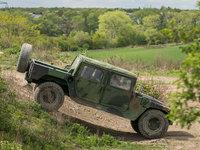 Humvee si hravě poradí se vším.