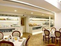 Restaurace hotelu Astoria, kde jsou podávány snídaně a večeře