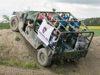 Myslíte, že je nějaký překážka už moc? Pro Humvee určitě ne.