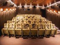 filmová atmosféra ze sálu doslova sálá, nemyslíte?:-)