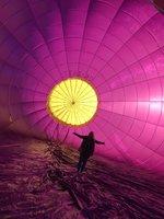 Jak pak to vypadá vně balónu?