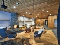 Odpočívat můžete i ve stylovém hotelovém lobby.