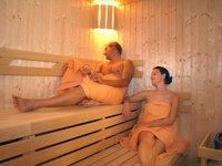 V sauně si odpočinete a naberete síly.