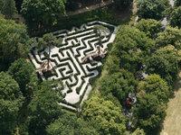 Pozor, ať se neztratíte ve všech labyrintech v parku na zámku Loučeň