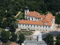 Romantický pobyt pro dva na zámku Loučeň