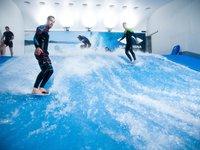 Surf Arena - pro fanoušky vodních sportů ideální zážitek.