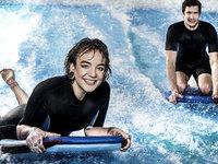 Surfařský simulátor vás bude bavit.
