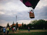 Už letí! (na fotkách je pětimístní balón, leč pro tento typ zážitku využíváme sedmimístný balón)