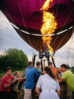 Už jen trošku zatopíme (na fotkách je pětimístný balón, leč pro tento typ zážitku využíváme sedmimístný balón)