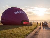 Balón v ranním slunci je až skoro kýčovitá podívaná.