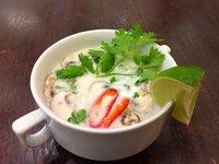 Kokosová polévka s krevetami