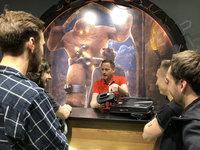 Game master vysvětlí, jak celá hra funguje. - Golem VR