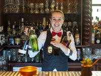 Barmani vám drink namíchají ne jen s úsměvem, ale i rádi:)