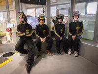 Další VR letci připraveni na svůj virtuální zážitek ve větrném tunelu